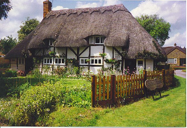 Woodley Cottage, Ecchinswell  Chocolate box village view of a 17th century thatched cottage.  [Thanks to Jane Curtis for adding to the description].