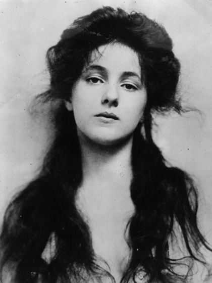 "Evelyn Nesbit.  One of Charles Dana Gibson's models.  Also notorious as the ""girl on the red velvet swing,"" mistress of Stanford White.  White was murdered by Nesbit's obsessive husband, Harry K. Thaw."