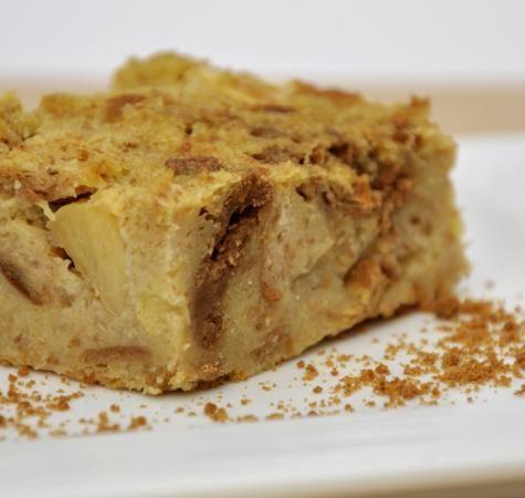 Broodpudding met appel en speculaasjes. HR: erg lekker!! Ik heb iets veranderd aan recept: Heel pakje puddingpoeder vanille gebruikt (77 gr) en minder suiker, 60 gr