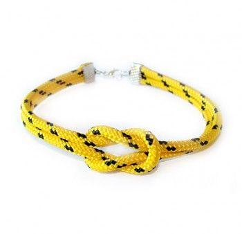 """Pogodna bransoletka męska """"ja i ty"""" z żółto-czarnego sznurka. Ozdobiona płaskim węzłem."""