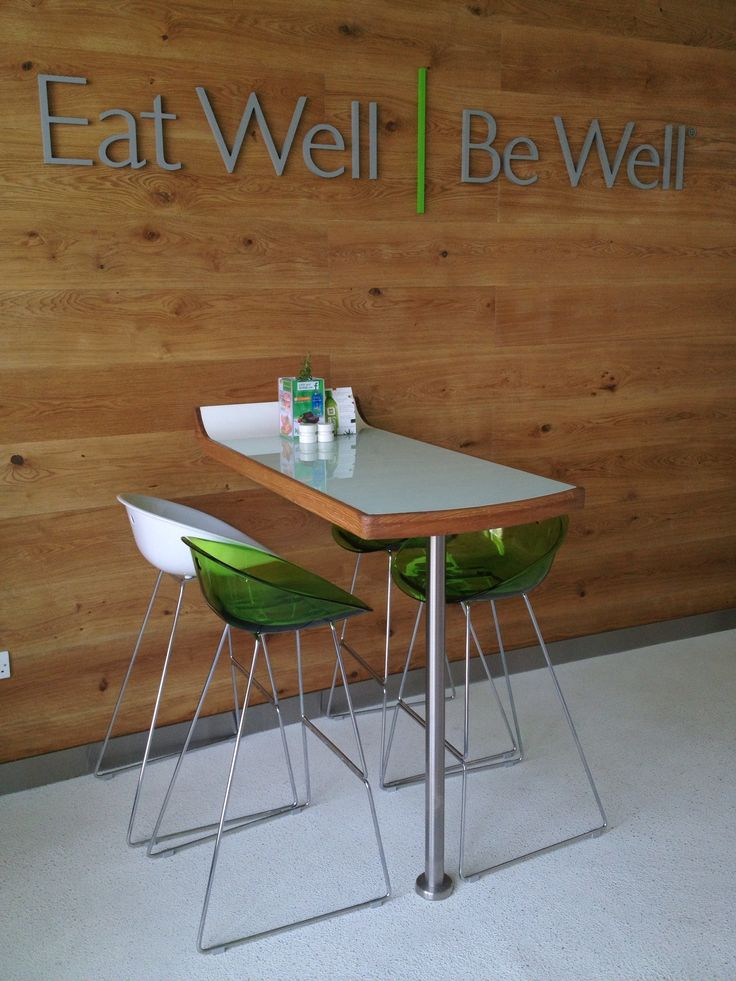 New KCAL Cafe opens in Business Bay Dubai welcoming guests to experience healthy and delicious fast food in an inviting and fresh interior environment as per their new design concept. Interior Fit Out by Aspect Interiors and furniture solutin by Zoluti Furniture.