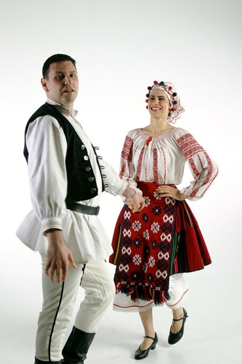 Romania--beautiful traditional dress!