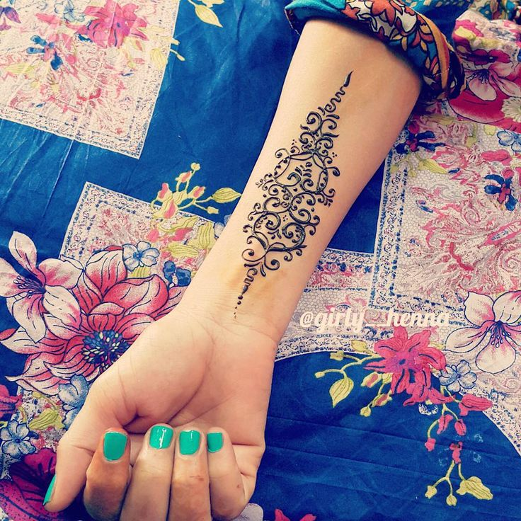 """Simple tattoo design  Especially for, those who dislike henna on their arms ✋ . ."""