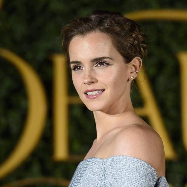 La Coiffure D Emma Watson Pour La Promo De La Belle Et La Bete Va Vous Surprendre Makeupbrushesrealtechniques Hairstyle Emma Watson Emma Watson Sexiest