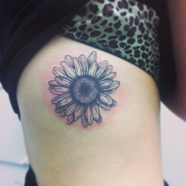 Daisy flower tattoo and leopard print bra♡