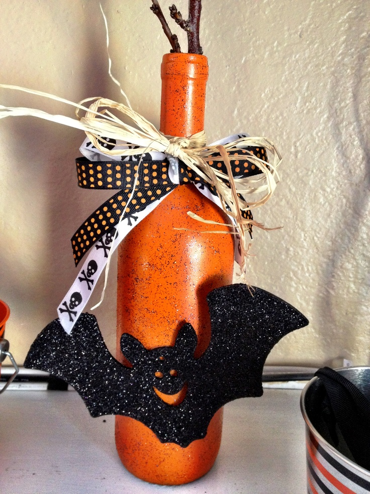 Diy wine bottle halloween vase wine bottle crafts for Diy wine bottle crafts pinterest