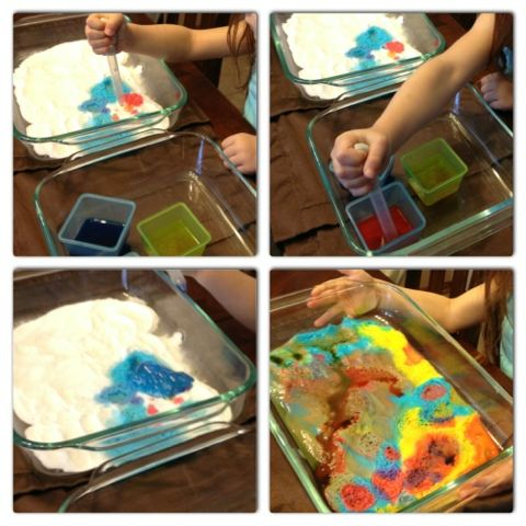Colored vinegar and baking soda for teaching colors and sense of sight.