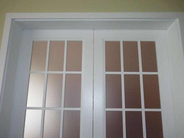 Detail - APPICTA lacquered oversized double sliding door with potted glazing APPICTA extrém magas - 2650mm - festett kétszárnyú tolóajtó punto üvegezéssel