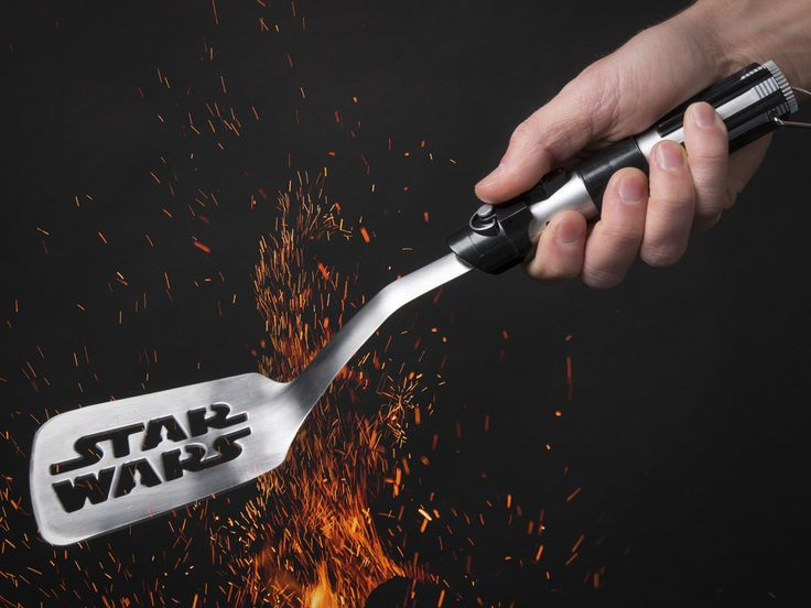 Star Wars Spatula - With the most stylish spatula in the galaxy featuring a Star Wars logo and a handle designed for a Sith lord, you are sure to feel the force at the barbecue!