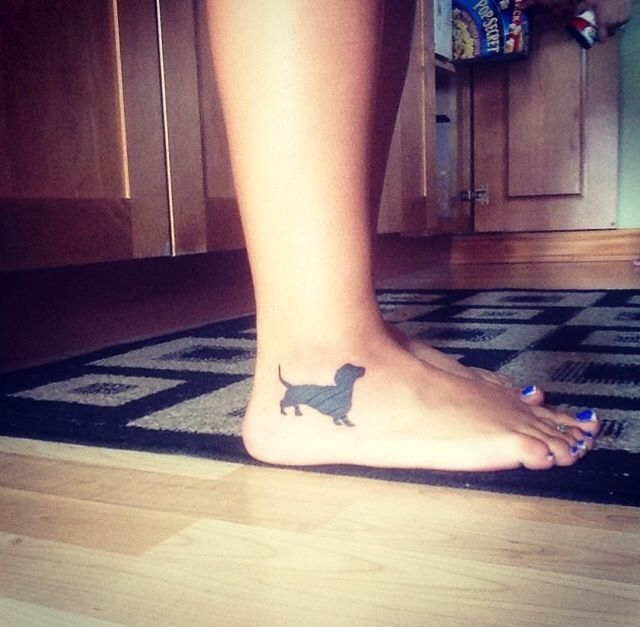 Dachshund tattoo ... The heart at my feet forever ❤️