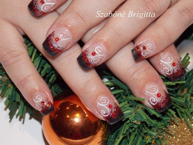 karácsonyi műköröm fekete és piros