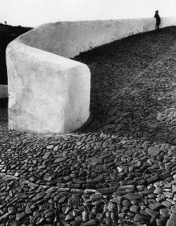 adreciclarte:  Mértola, Portugal, 1985 by Eduardo Gageiro