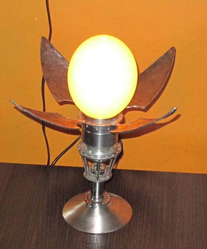 lampa z jajem strusim