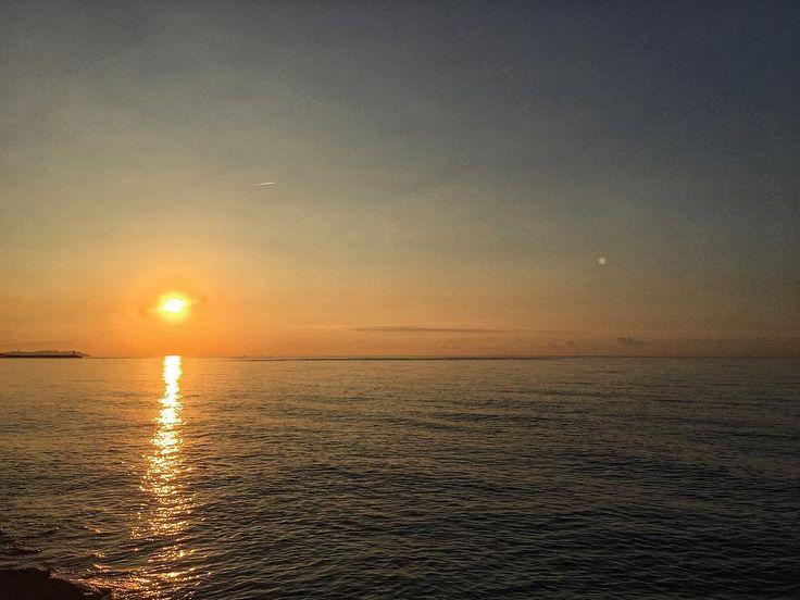 Good morning!! #sun #luis_jardi #luisjardi #logicaudio #freesound #sea #soundeffects #zoomf8 #soundforge11