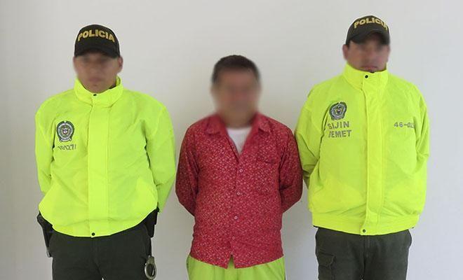 en ofensiva nacional contra el delito caen dos presuntos abusadores - Categoria: Actualidad  ND: Mesetas, capturamos a dos hombres que fueron solicitados por actos sexuales con menor de 14 aAos de edad.En cumplimiento con la Ofensiva Nacional contra el Crimen ordenado por el Presidente de la RepAblica y la DirecciAn General de la PolicAa Nacional de todos los colombianos, el Departamento de PolicAa Meta alcanzada en el Area urbana de Mesetas, la captura de dos presuntos delincuentes sexuales…