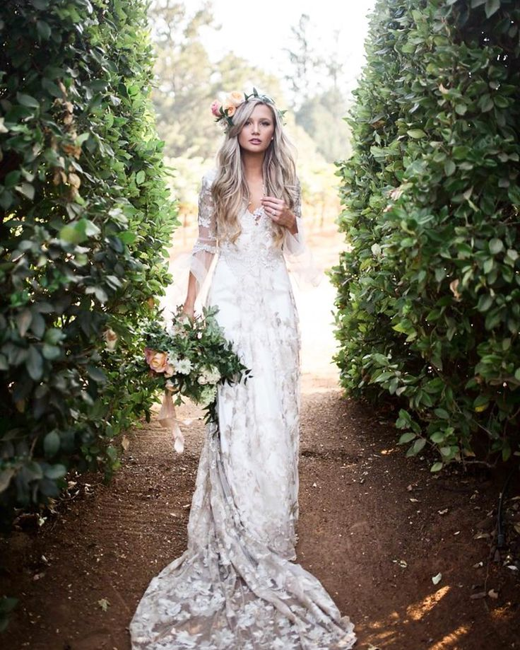 705 best alternative wedding dresses images on pinterest short if i was blonde i would want to look like this on my wedding day junglespirit Choice Image