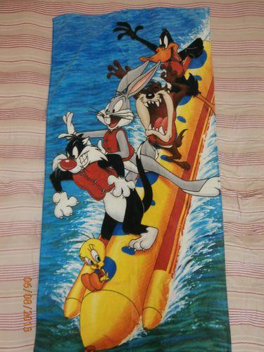 LOONEY TUNES BATH/BEACH TOWEL