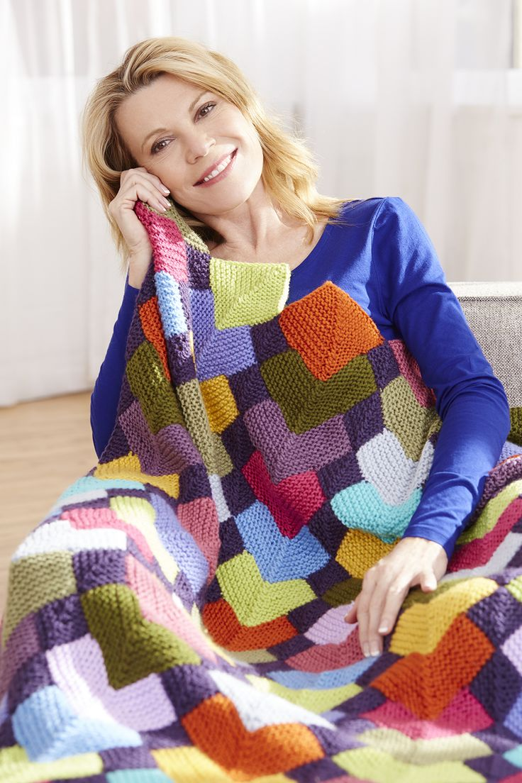 Make this stunning Overlapping Squares Afghan with Vanna's ...