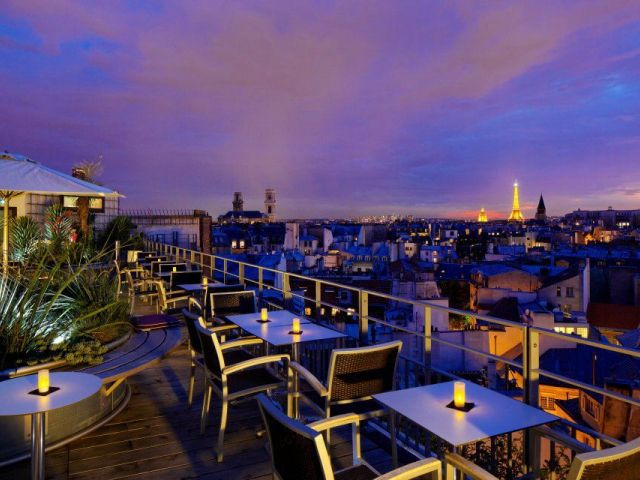 The Holiday Inn Paris-Notre Dame is superbly situated. Le Quarante Trois is a striking summer terrace bar, ideal for escaping the Parisian heat.