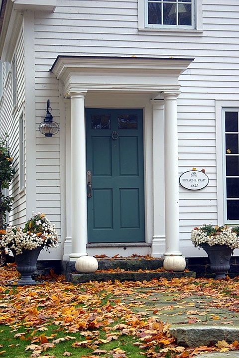 Exterior columns simple round colonial style columns - Exterior doors that open to the outside ...