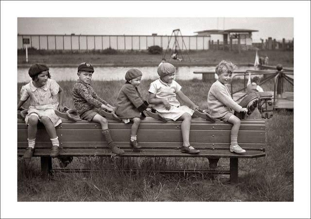 vintage everyday: Kids Always Make Us Laugh – 18 Funny Vintage Photos Show the Mischief of Children