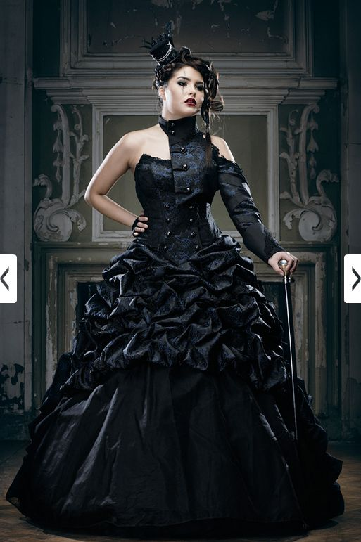 Perfect Gothic Wedding Dress!(minus the sleeve thing...Idk what that is...but no lol.)Gothic Fashion