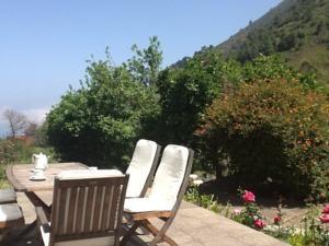 £718, north west, rural 3 bed, beaches 20min drive, La Orotava 15 mins drive