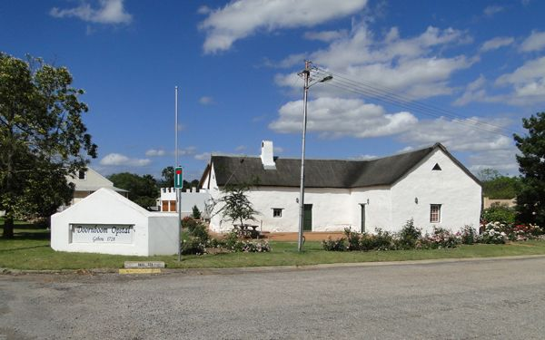 Although the town has A number of historic buildings, its oldest by far is the Fourie House. This is the homestead of Doornboom and dates back to 1728