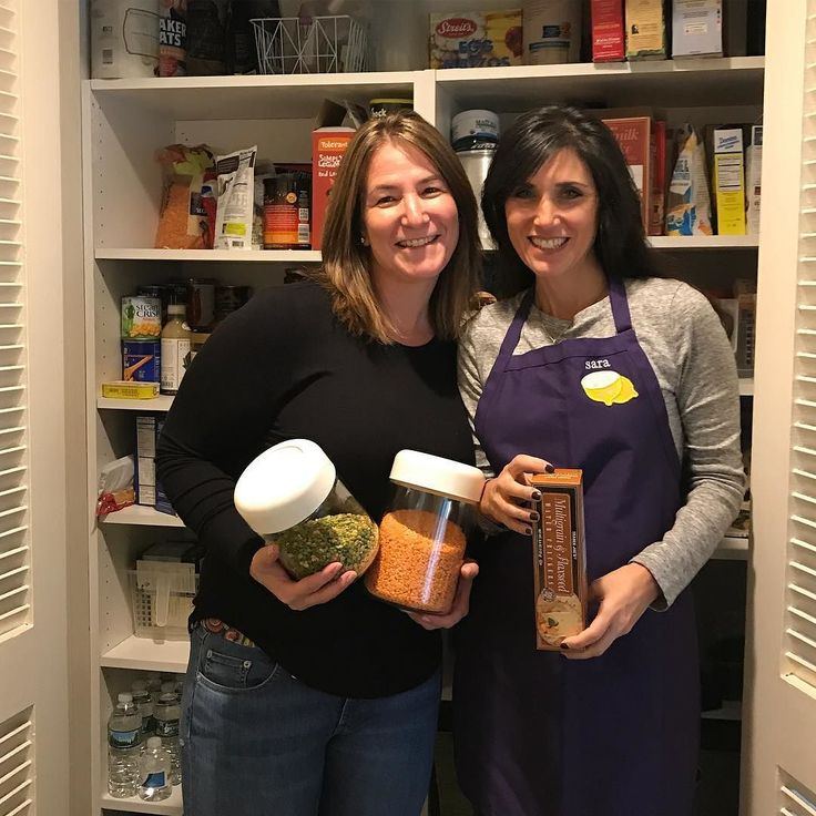 Organizing your kitchen also has a lot to do with filling it with the right foods! Working with my friend @sararsiskind of #HandsOnHealthy today on a pantry and refrigerator clean out! Check out my insta stories to see what we did. . . . . #organization #organized #homeorganization #homeorganizer #organizer #organizeit #organizedlife #professionalorganizer #organize #organizingtips #letsgetorganized #longisland #portwashington #organizedmama #mommyblogger #momof3 #momlife #pinterest…