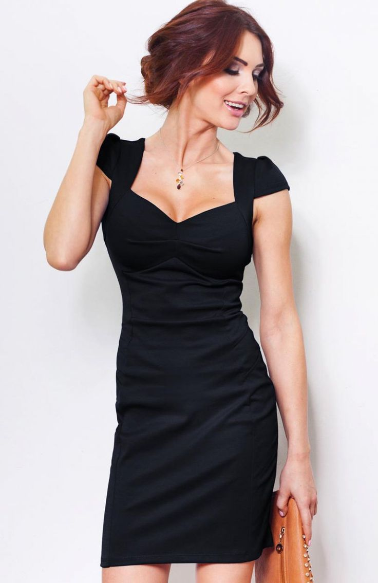 SAF 23-2 sukienka czarna Elegancka sukienka, w pięknym granatowym odcieniu, dopasowany fason