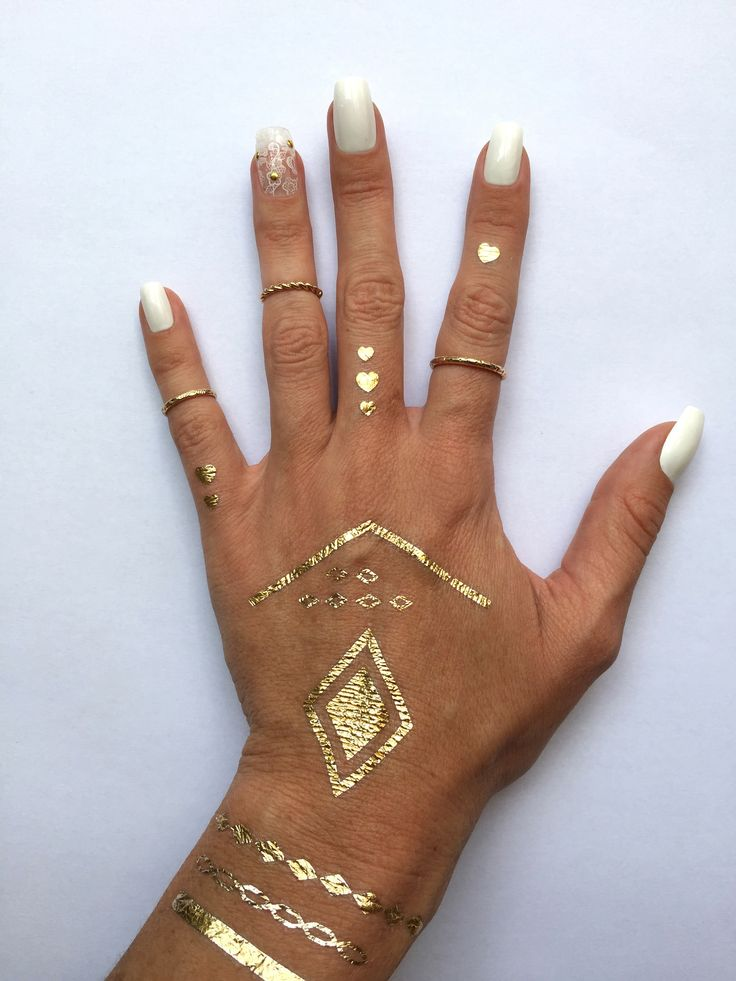 Boho Nails: iZ Beauty of London Deco iT Flower Power Lace nail decals
