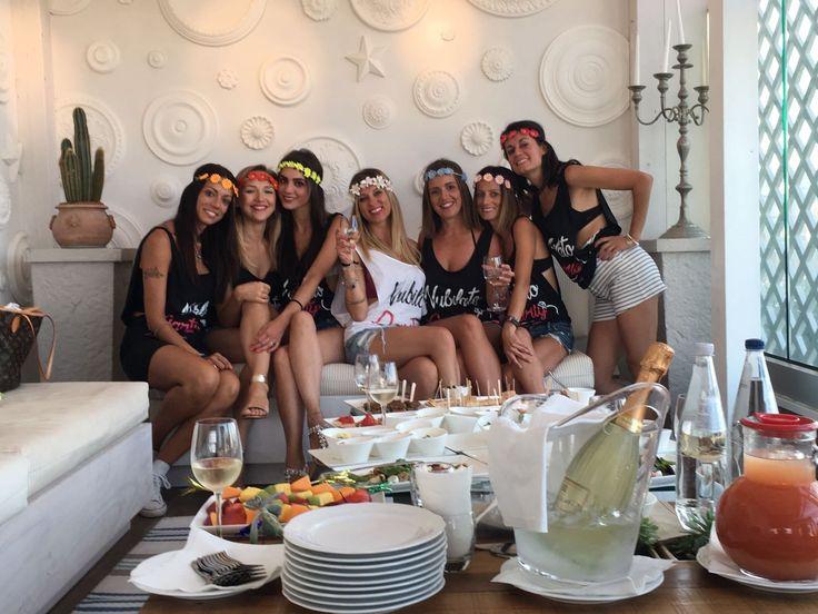 Addio al nubilato in terrazza Sky Bar, le amiche sanno come festeggiare la quasi sposina!