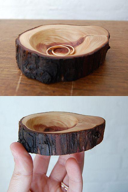 Schmuckschale aus Baumscheibe