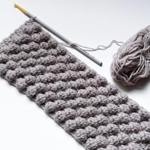 Le point noisettes au crochet – Petite sittelle