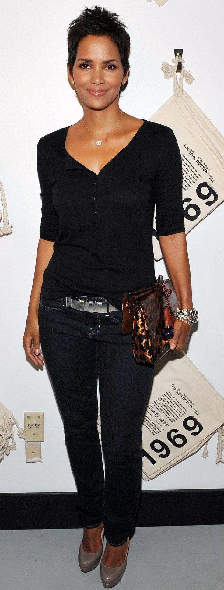 Halle Berry 1.66m                                                                                                                                                                                 Más