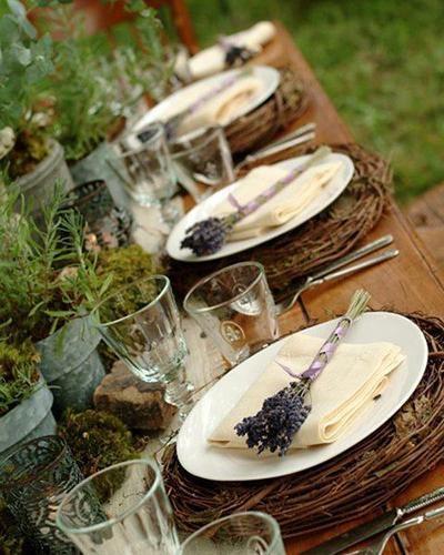.outdoor dinner party idea