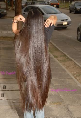 .Now this is the way long hair is supposed to look, shiny ...