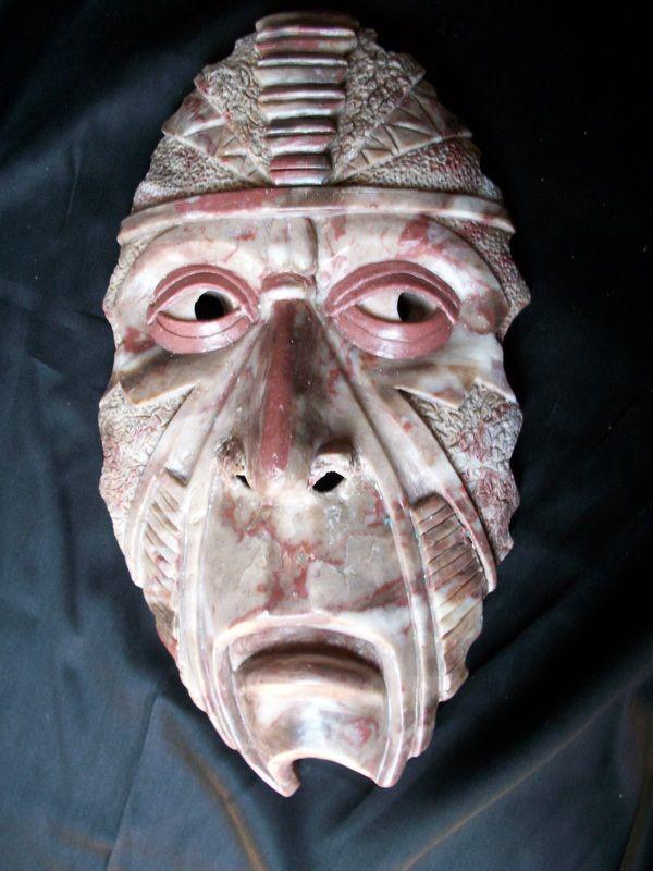 ...maschera di sapone, scolpita da un detenuto statunitense...