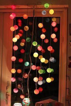 秋の夜長を感じる今日この頃、夜の空き時間に工作なんていかが?今回は、秋の雰囲気にぴったりなランプの作り方をご紹介します。しかも100均アイテムで作れるという優れもの!