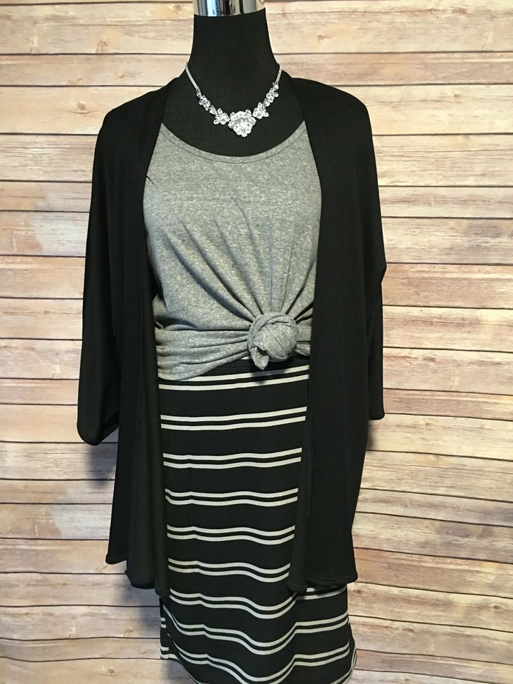 Gorgeous L Cassie Skirt and L Classic T draped with a M Lindsay Kimono #lularoejessicanemeth