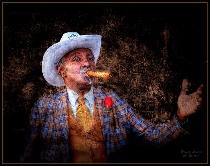 2016 | Havana Cigar Man | Foto por Henry Louie  Thanks for viewing.  On my second trip to Havana, I ran into this gentleman with a cigar as I was rolling my suitcase through the streets of old Habana to find my casa. He insisted that I take this photo of him. 23 Mar 2016.