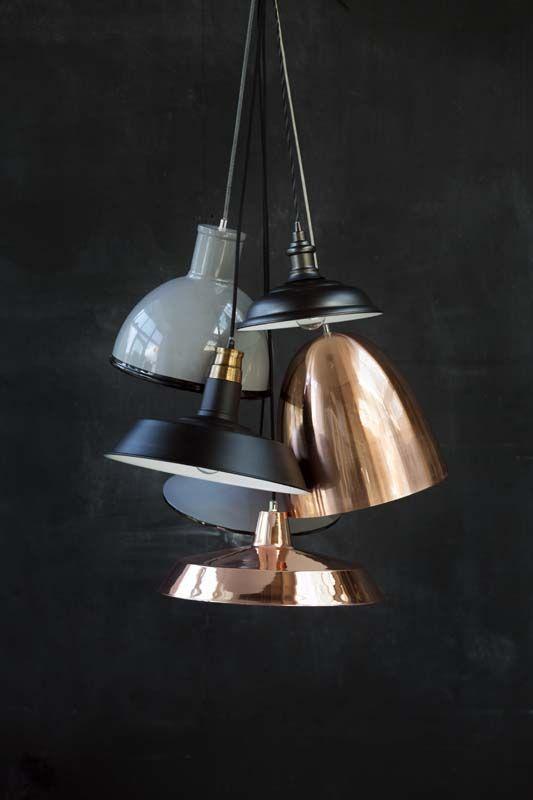 KARWEI Pin 40 nr 26: Lampenkappen in glanzend koper, mat, grijs of zwart. #karwei #40jaarkarwei #favoriet #verlichting #koper