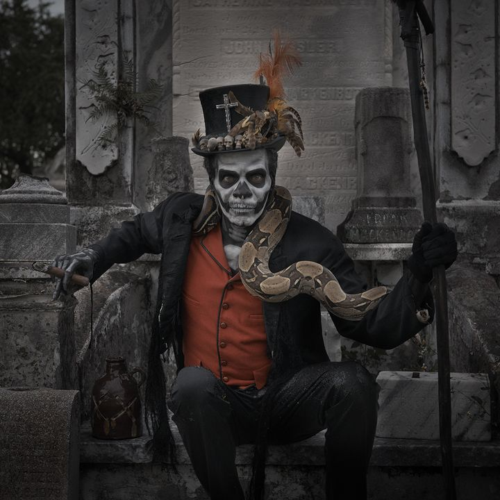 In honour of Hallowe'en/Samhain, here's an excellent Baron Samedhi photoshoot by Matt Barnes.  http://mattbarnesphoto.tumblr.com/post/56958129543/baronsmedi