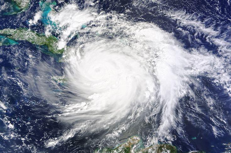 Após Matthew, furacão Nicole avança sobre Bermudas