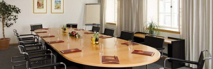 Conference room at K+K Restaurant in Salzburg: Ideal for presentations, meetings and small conferences.