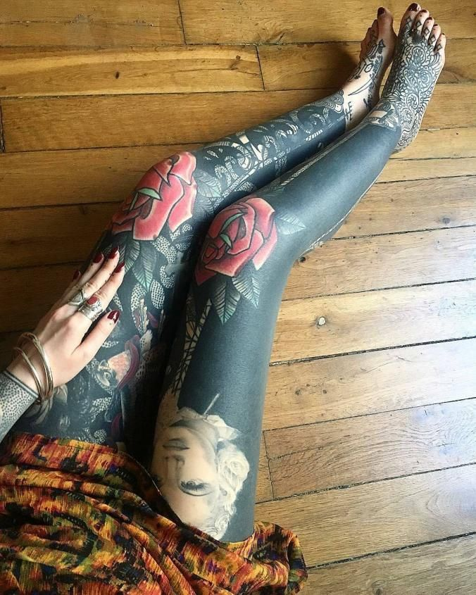Amazing leg tattoo leg tattoos pinterest genoux for Female nipple tattoos