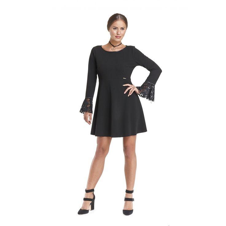 Φόρεμα κλος κοντό με δαντέλα στα βολάν του μανικιού και στην πλάτη