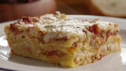 Homemade Lasagna. WANNA TRY IT TONIGHT