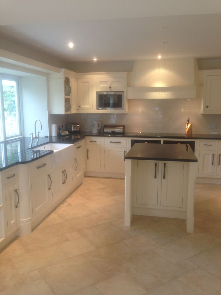 Lovely Clean Kitchen at a Holiday Property in Dorset, cleaned by our Super-Team