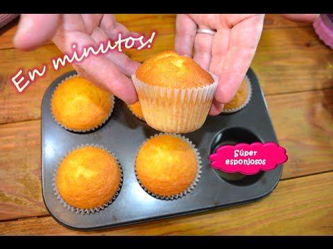 Magdalenas caseras Una receta muy fácil en minutos de preparar la masa para cupcakes, muffins, solo agregar decoracion y listo! ♥ Receta escrita: http://miel...
